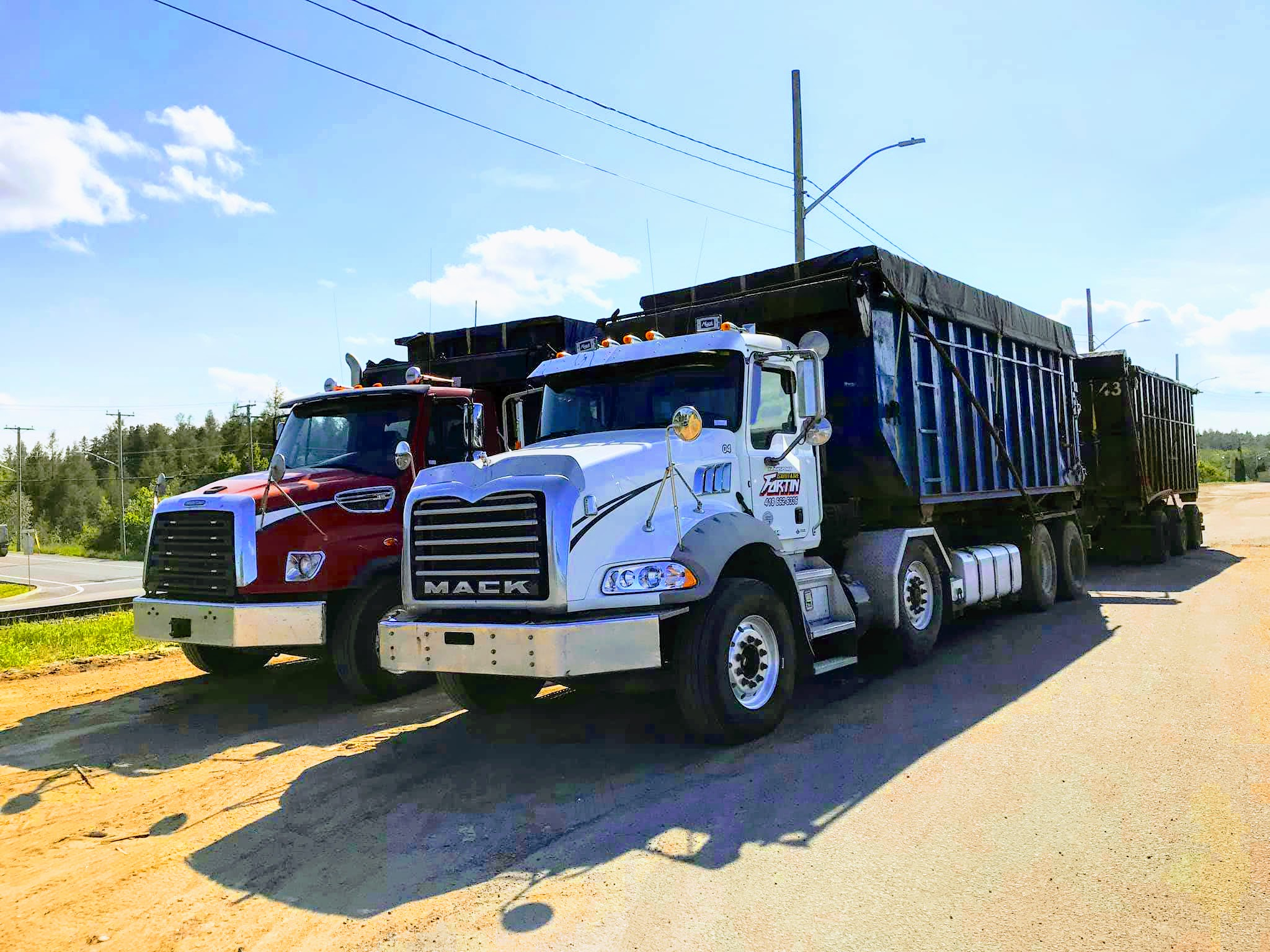 Camions roll-off Transport Sanitaire Fortin